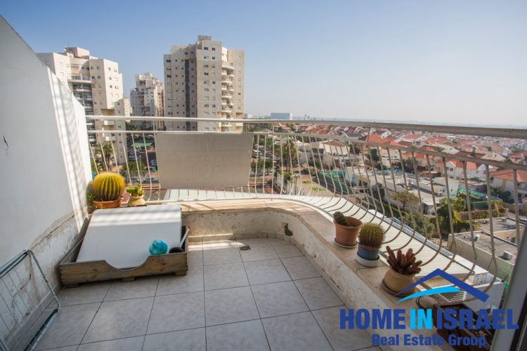 Ramat Poleg, 5 room Appartment (MD)