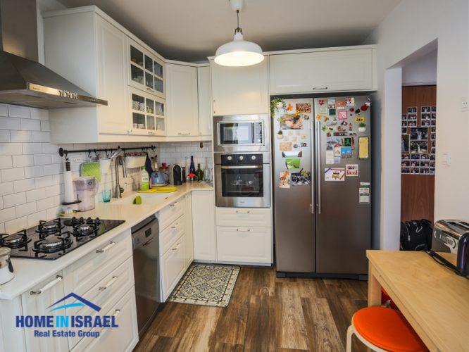Kiryat Nordau, 3 room apartment (SH)