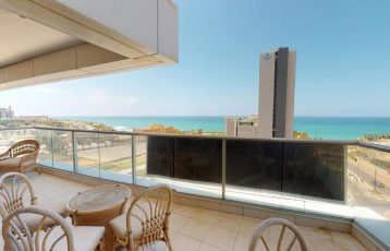 South-Beach, Lagoon, 4 room apartment (LB)